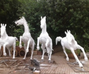 fiberglass-statues-manufacturers