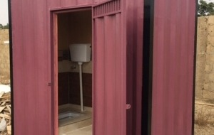 portable-washroom-container